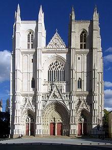 220px-Cathédrale_Saint-Pierre_de_Nantes_-_façade.jpg